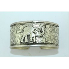 925 Sterling Silver Women's jewellery Cuff Bracelet with elephant figures..