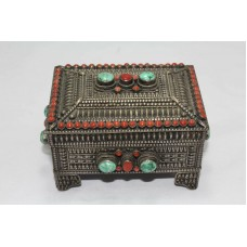 Collectible Handwork Carving Tibetan Silver Trinket Box Turquoise Coral Stones..