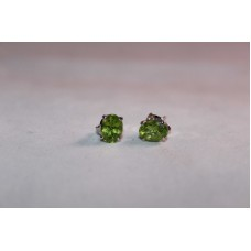 925 Sterling Silver Studs Earring with Natural Peridot Stones